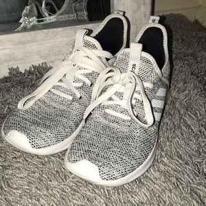 Adidas Cloud-foam tennis shoes